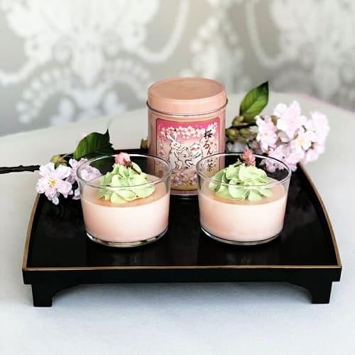 桜のお菓子と一緒に飲みたい桜るん紅茶